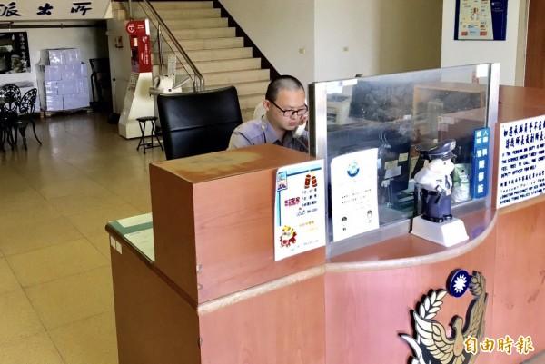 龍潭區張姓男子連續3次謊報案件,警方決定依違反社維法函送法辦。(記者李容萍攝)