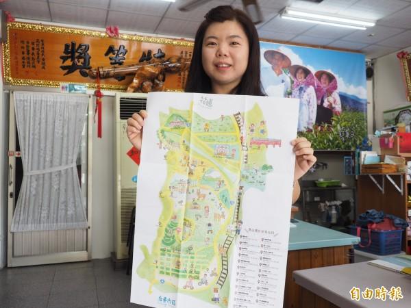 鹿野茶農第三代劉倚瑩從小就愛畫畫,畫風受肯定,常受邀繪製鹿野在地特色。(記者王秀亭攝)