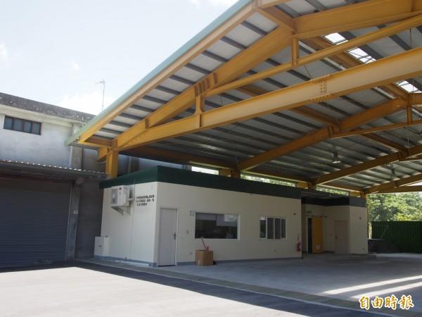 鹿野地區農會繼鳳梨冷藏庫後,將再建置鳳梨加工中心。(記者王秀亭攝)