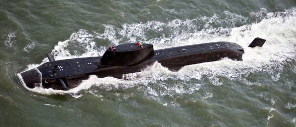 英國首相梅伊計畫下令,派潛艦開往能打到敘利亞的範圍的地區。(歐新社)