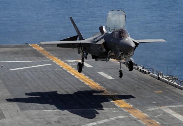 日本本州山口縣岩國市當地美軍基地,今(12)日指出將於5月5日的「日美親善日」活動中,出動F-35B進行亞洲首次的飛行秀。(路透)