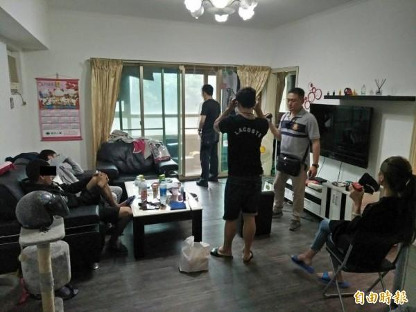 陳姓男子在基隆市安樂區樂利三街大型社區租屋開毒趴,被警方查獲。(記者林嘉東攝)