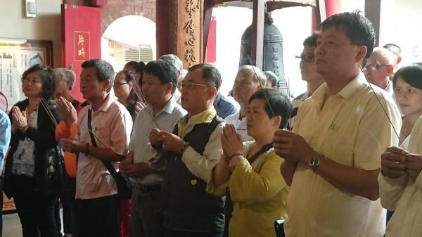 40多名信衆年紀相加超過千歲。(記者江志雄翻攝)