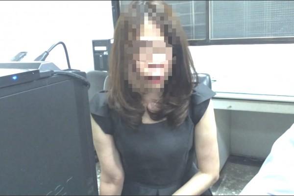 警方告知她因詐欺案遭通緝,她頓時酒醒。(記者許國楨翻攝)
