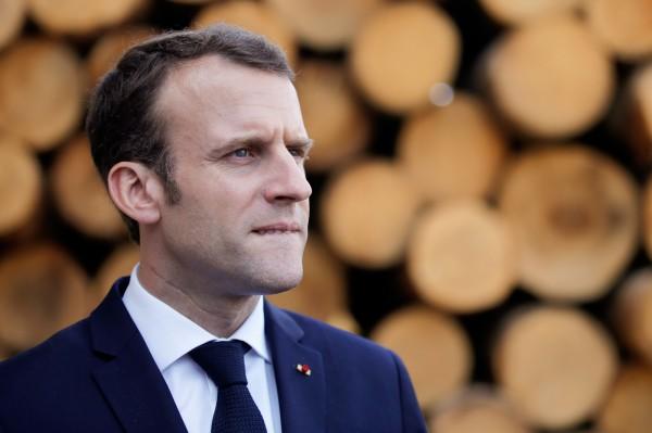 法國總統馬克宏推行的教育改革計畫引發社會抗議,其母校巴黎政治學院被示威者佔領。(法新社)