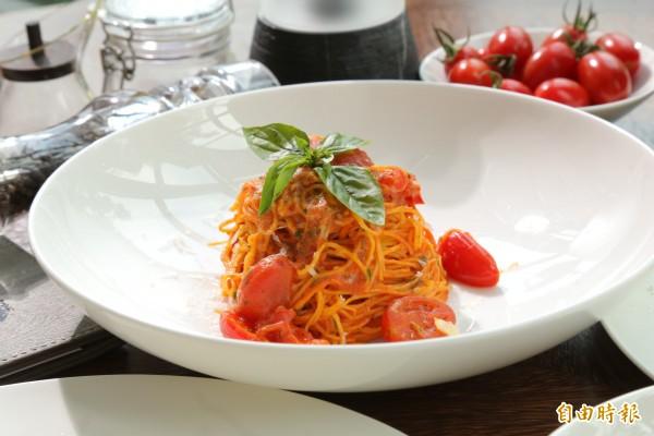 香辣番茄鳥巢細麵烹調方式簡單,適合居家操作。(記者陳宇睿攝)