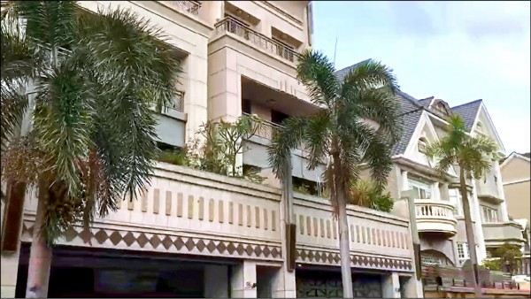 日籍男子中澤祥在台購買豪宅。(記者邱俊福翻攝)