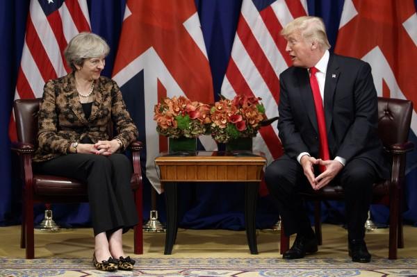 美國總統川普自2016年上任至今,尚為到英國進行訪問,而美國白宮1位高級官員近日透露,川普預計在今年夏末至英國訪問。(資料照,美聯社)