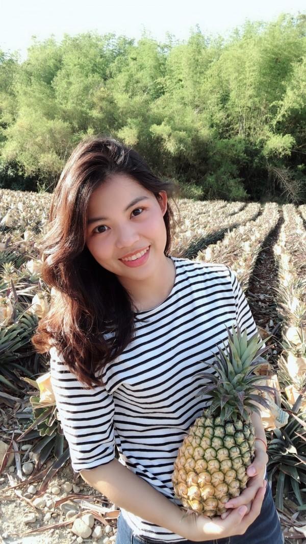 大學女生王俞文不忍父親心血泡湯,開公司投入產業轉型。(記者洪臣宏翻攝)