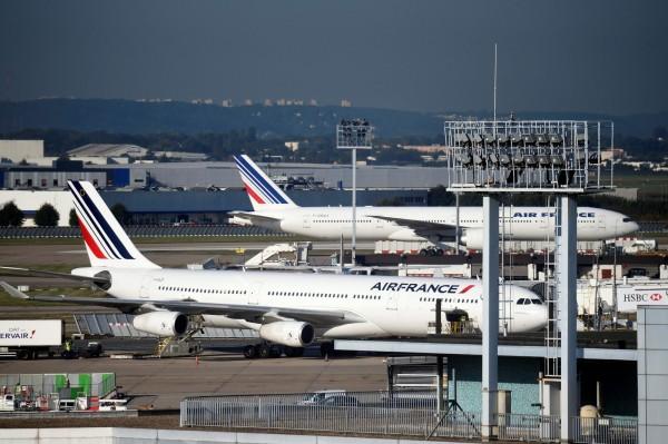 法國航空公司上週二(17日)開航台北-巴黎航線,一週共有3班的直飛航班,今天因罷工影響,取消航班。(法新社)