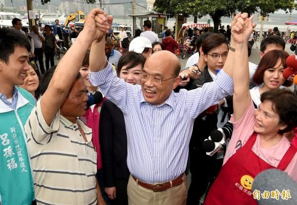 民進黨中執會今天通過徵召蘇貞昌成為新北市長參選人,而蘇貞昌明天將拜訪國民黨新北市議會議長蔣根煌。(資料照)
