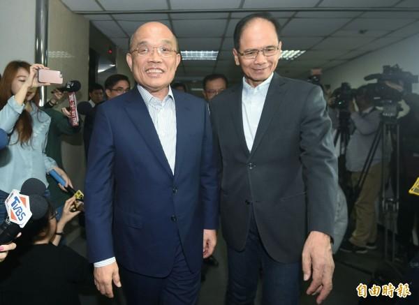 民進黨徵召新北市長參選人蘇貞昌(左)拜會前行政院長游錫堃(右)。(記者廖振輝攝)