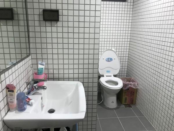 新宿舍還有獨立衛浴。(圖擷自Dcard)