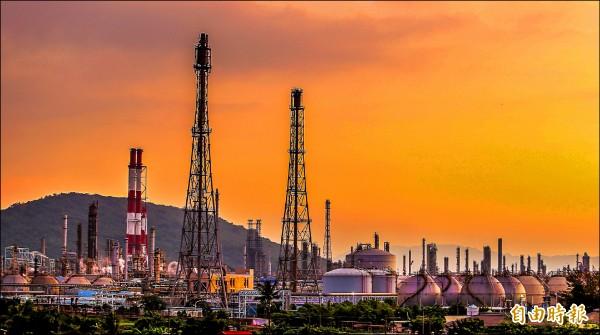中油總公司戶籍,已遷到關廠的高雄煉油廠。 (記者葛祐豪攝)