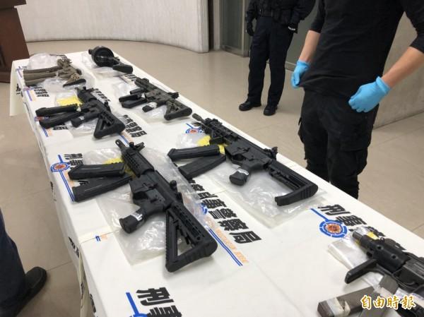 專案小組埋伏5天攻堅,破獲近年最大一批制式槍械走私案。(記者邱俊福攝)