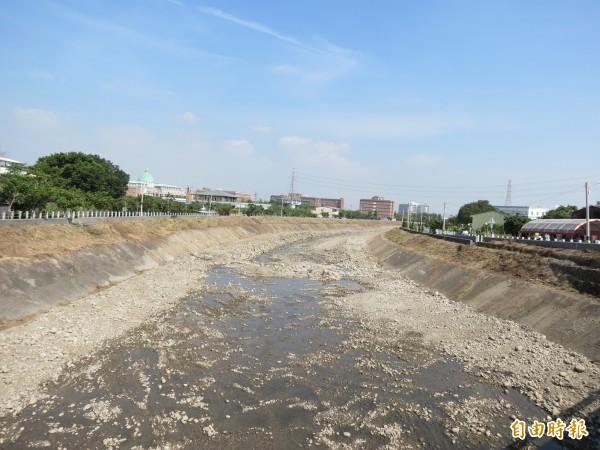 市府展開乾溪自行車道第3期工程規劃,一旦完工,該條自行車道將增長至6.6公里。(記者蘇金鳳攝)