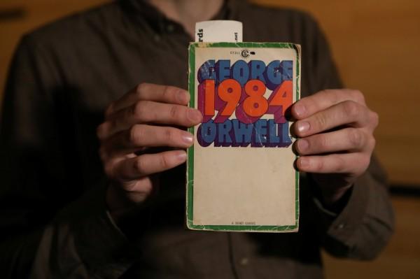 「歐威爾式」是極權主義代名詞,這個詞源於已故英國作家喬治歐威爾(George Orwell),涵義出自他1949年所出版、描繪未來世界反烏托邦極權國家的知名小說「一九八四」(Nineteen Eighty-Four)。(路透)