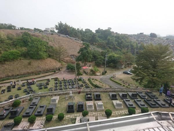 玫瑰墓園鳥瞰圖。(時代力量提供)