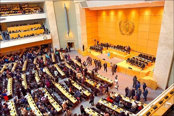 世衛組織(WHO)至今沒有邀請台灣出席世衛大會(WHA),據了解,WHO幹事長態度強硬,表示「沒有中國同意,就沒辦法邀請」。圖為去年世衛開會情形。(中央社資料照)