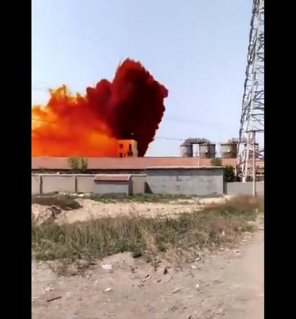 中國山東省壽光市今天(9日)下午發生一起化工廠爆炸事件,大量劇毒溴素飄散在空氣中。(翻攝自推特)