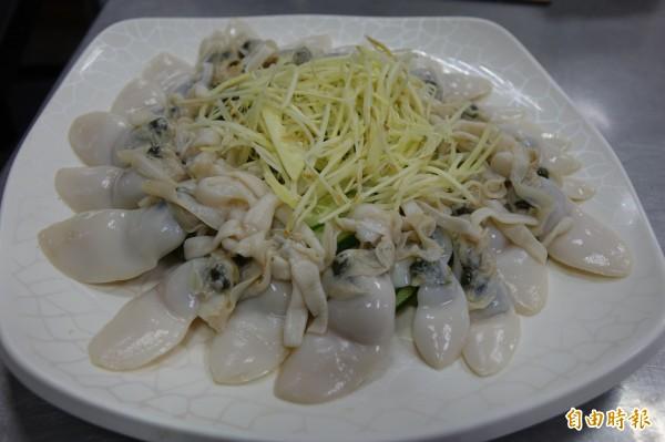 西施舌也是當季尚青的美味,(記者劉曉欣攝)