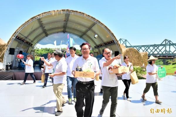 宜蘭縣代理縣長陳金德今出席綠色博覽會閉幕典禮,拋出生態綠舟更名議題。(記者張議晨攝)