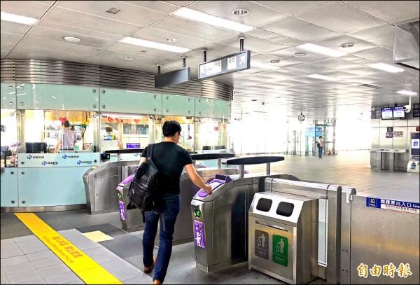 桃園機場捷運擴大回饋,讓通勤族「有感降價」。(記者魏瑾筠攝)