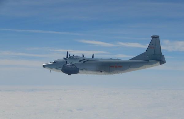 中國運8運輸機傳出在今天上午飛行靠近台灣海峽中線的M503航線。圖為運8運輸機。(國防部提供)