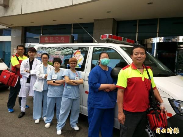 白沙屯媽祖進香,童綜合醫院醫護團隊全程守護。(記者張軒哲攝)