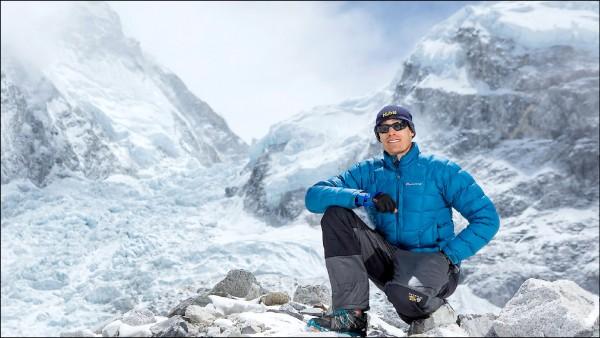 澳洲登山好手普萊恩十四日登上聖母峰。(取自網路)
