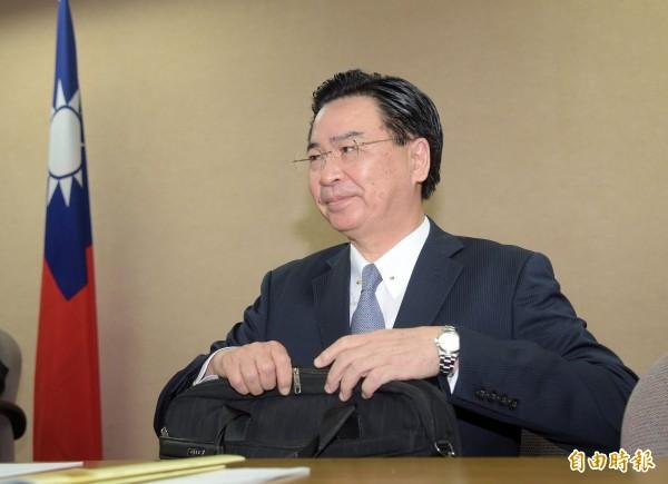 立法院國防及外交委員會17日邀請外交部長吳釗燮列席報告並備詢。(記者黃耀徵攝)