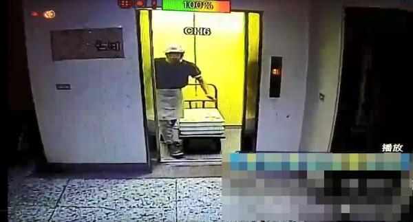 陳男潛入公司外勞宿舍內,臉孔被監視器拍到。(記者張瑞楨翻攝)
