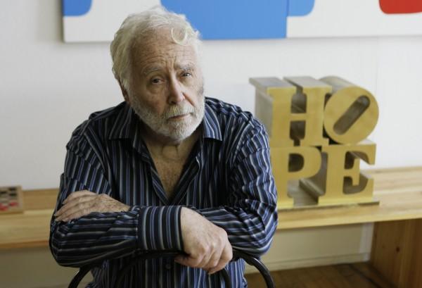 美國普普藝術代表人物羅伯特.印第安那19日離世,享壽89歲。(美聯社)