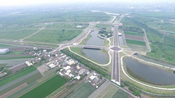 中科二林園區佔地600多公頃,空拍畫面是一片綠油油空地。(彰化縣政府提供)