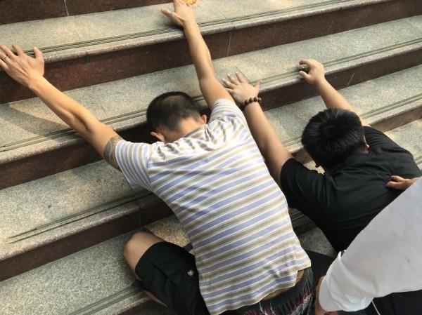 警方循線在花蓮市將兩名同夥查獲到案。(記者湯世名翻攝)