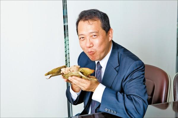 楊子葆認為吃粽子是包含從粽子上桌到剝粽葉、聞粽香,最後吃下去的過程,缺一不可。(juju photo/攝影)