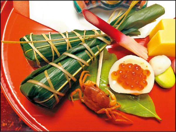 不只是台灣有棕葉包裹食材的料理方式,像是日本料理也有壽司粽的呈現,楊子葆對於各種飲食都抱著開放的心胸去嘗試。(楊子葆提供)