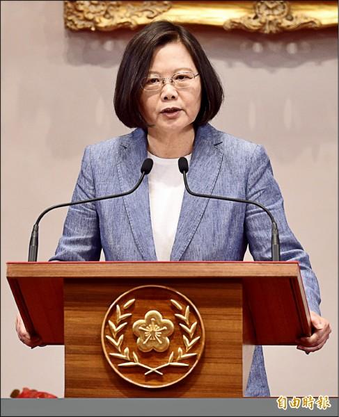 蔡總統昨在總統府接見「世衛行動團」時強調,主張統一是在野黨的自由,但統一不能是在壓力下的選擇,更不能是台灣年輕人對於未來的唯一選項。(記者羅沛德攝)