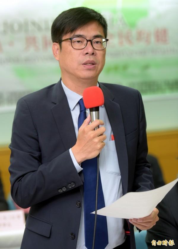 陳其邁今天上午在立法院回應該民調,強調他會戒慎恐懼。(資料照)