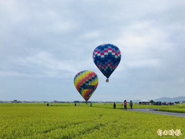 配合三奇伯朗大道觀光季,冬山鄉公所今年引進2顆大型熱氣球。(冬山鄉公所提供)