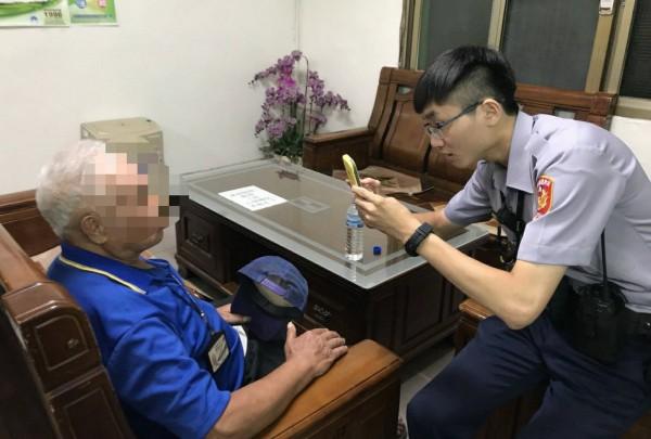 利用m-police人臉辨識系統查詢後,確定為通報協尋的傅姓老翁。(記者彭健禮翻攝)