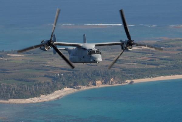 駐日美軍2架CV-22魚鷹機,今(4日)下午緊急降落日本鹿兒島奄美機場。圖為MV-22型魚鷹機。(路透)