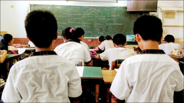 全校協呼籲,站在為全國中小學生爭取優質學習環境的立場,中小學該不該將冷氣列為校園基本設備?應全國統一規劃。(資料照,台南市教育產業工會提供)
