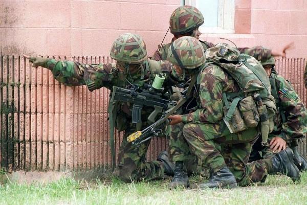 演習中的尼泊爾廓爾喀僱傭兵。(圖擷取自網路維基百科)