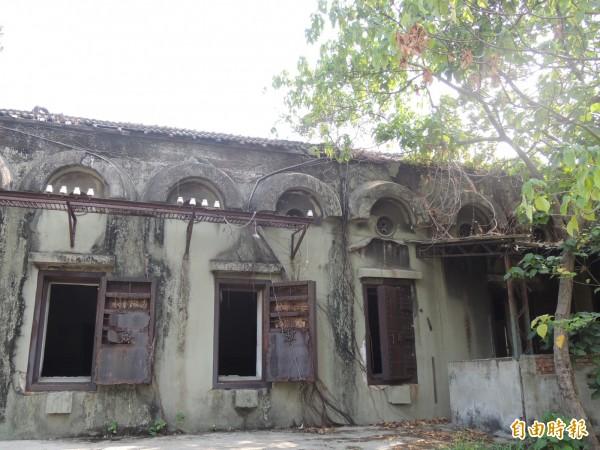 已登錄南市歷史建築的永康飛雁新村「傳原通訊所」。(記者洪瑞琴攝)