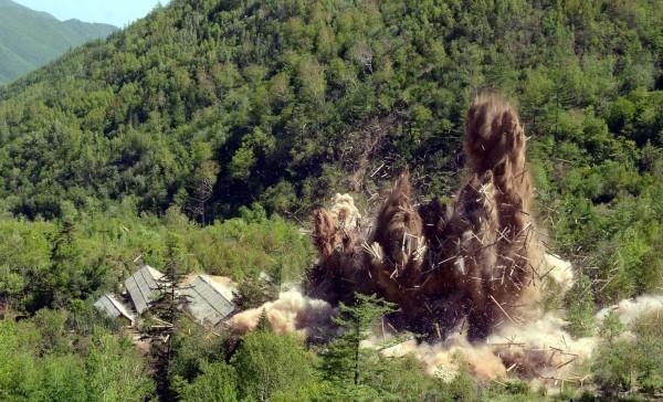 北韓上月24日爆破豐溪里核子試驗場。(路透)