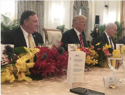 美國總統川普首度以總統身份訪問新加坡,今日中午至星國總統府會見總理李顯龍,雙方共進午餐。(圖擷自ongyekungIG)