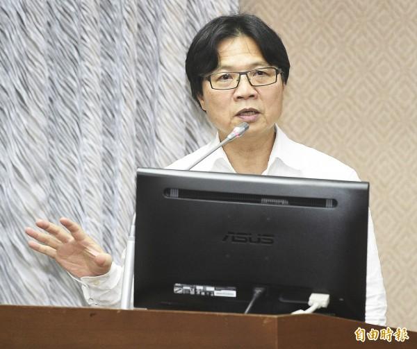 內政部長葉俊榮強調新版身分證評選過程「一點都不黑箱」。(資料照)