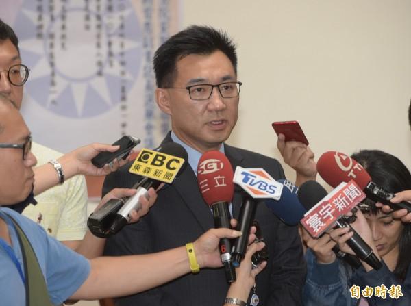 國民黨立法院黨團14日舉行總召選舉,立委江啟臣以17比15票小贏立委費鴻泰2票,當選總召。(記者張嘉明攝)
