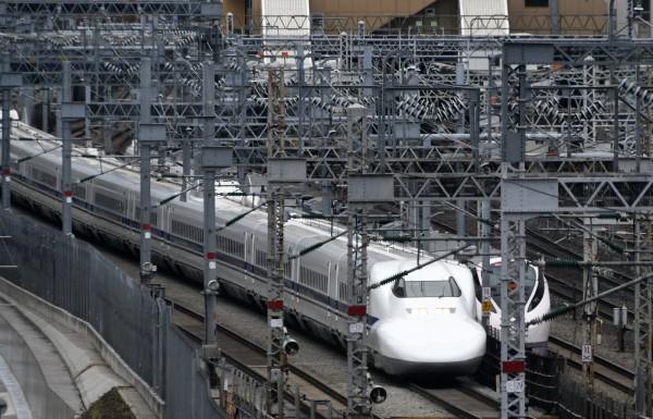 新幹線昨晚在行駛途中撞死人。圖非當事車輛。(歐新社)
